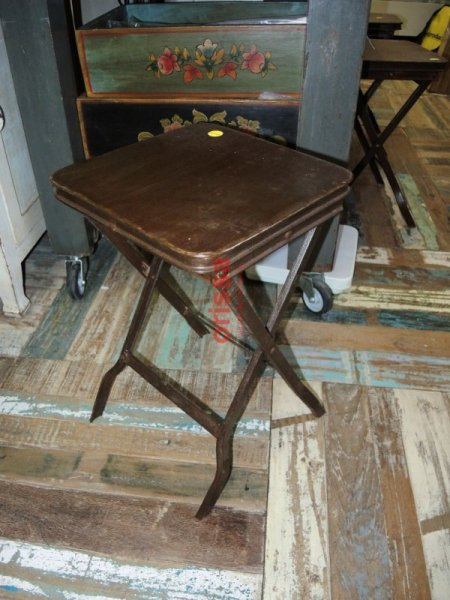 Arredi tavoli sedie pub bar taverne ristoranti bed and for Sgabello bar pieghevole