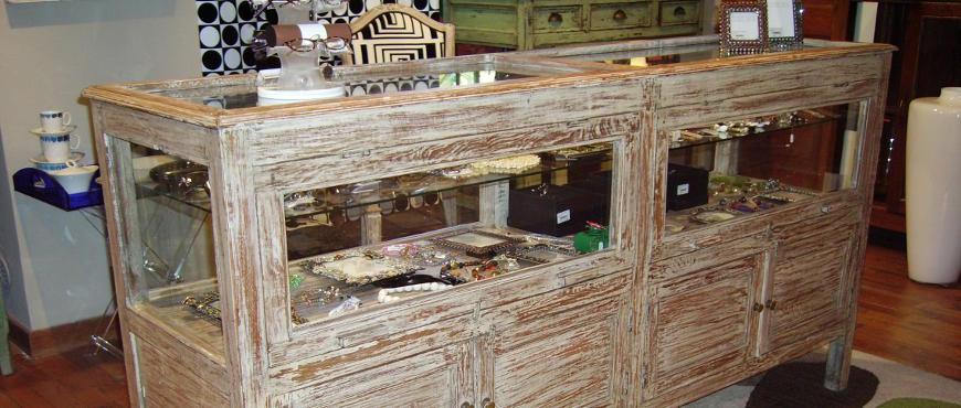 Arredamento shabby chic e mobili bianchi decapati stile for Arredamento provenzale milano