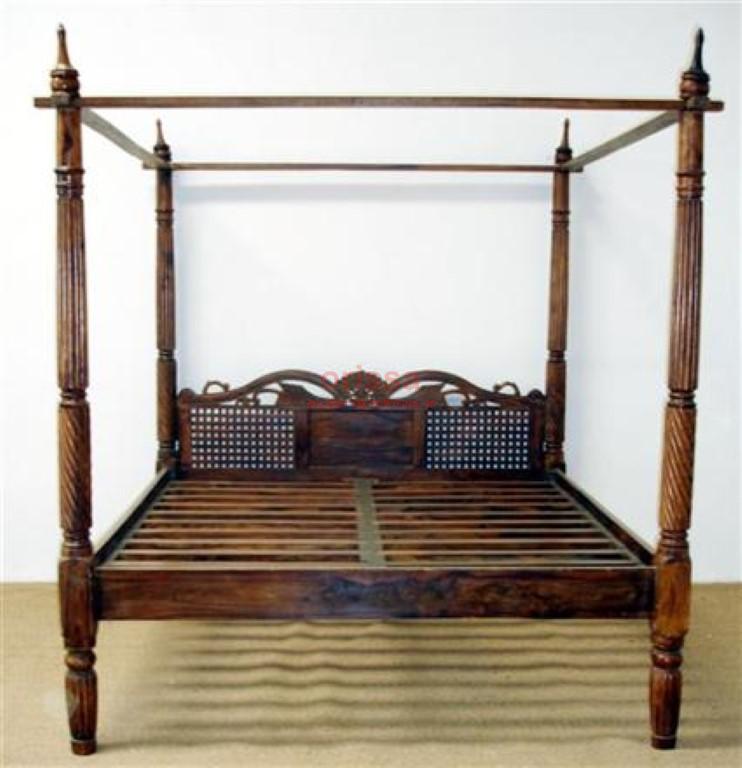 Letto a baldacchino testata intagliata in legno massello - Letto a baldacchino in legno ...