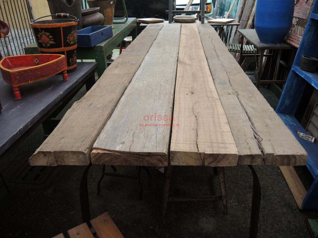 Tavolo rustico con assi e gamba in ferro cole0174 for Tavolo rustico legno