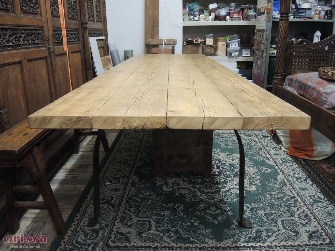 Tavolo assi legno massello gamba u cx026 orissa milano for Tavolo rustico legno