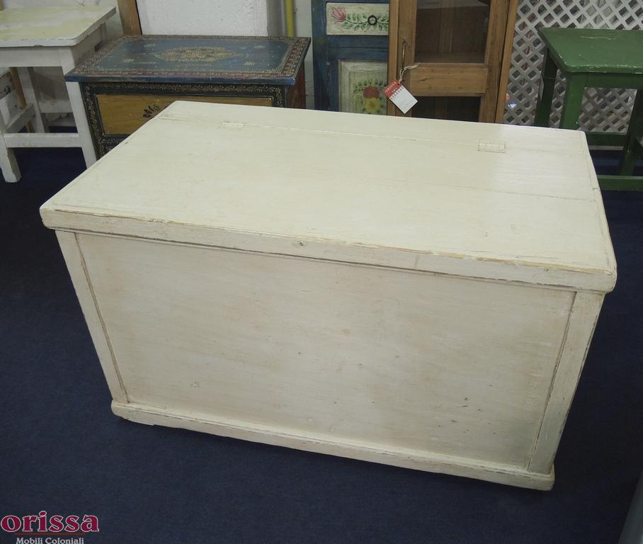 Baule rustico colore bianco decapato u020 orissa milano - Cucina legno bianco decapato ...