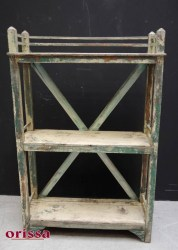 Scaffale shabby coloniale