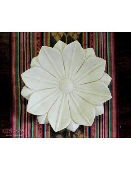 Piattino in marmo forma di loto
