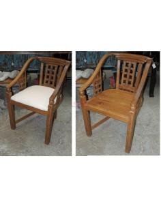 Poltroncina in legno di teak con seduta imbottita