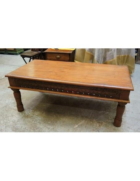 Tavolo in legno di teak intagliato
