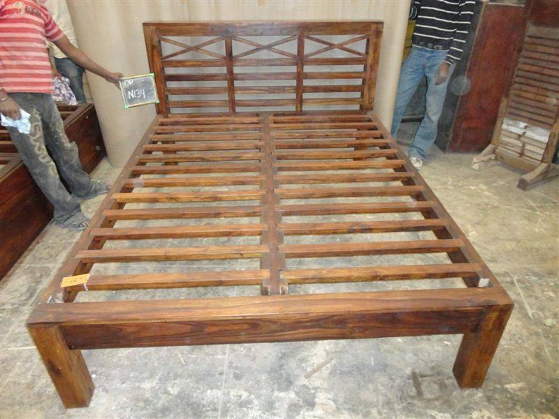 Testate Letto In Legno Negozio : Testate letto in legno letti