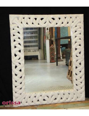 Specchio con cornice intagliata bianca