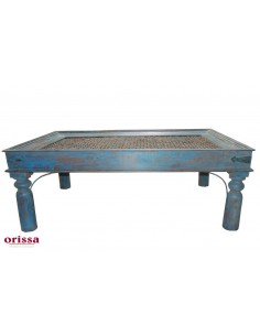 Imagén: Tavolo etnico da salotto azzurro con grata in ferro