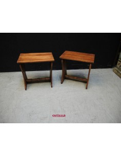Sgabello in legno massello