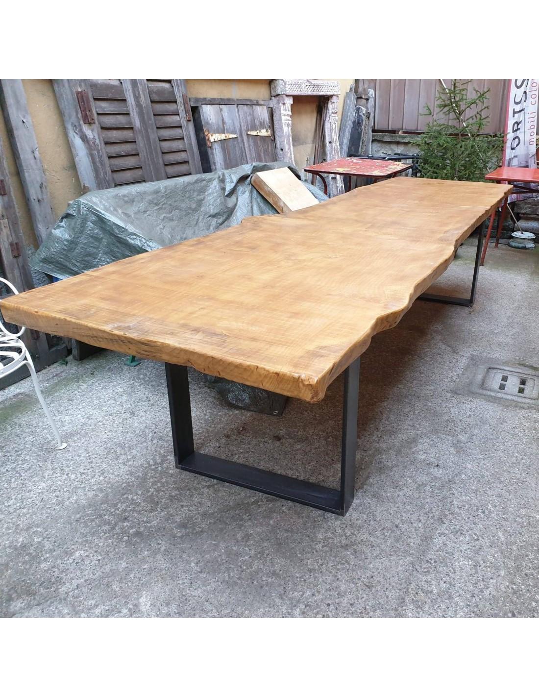 Tavolo legno massello industriale con gambe in ferro battuto cx112 - Orissa  Milano