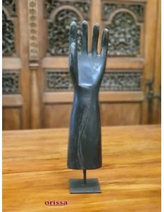 Imagén: Mano sinistra in legno con piedistallo