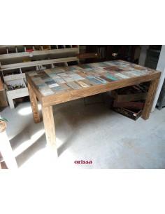 Tavolo in legno di recupero colorato