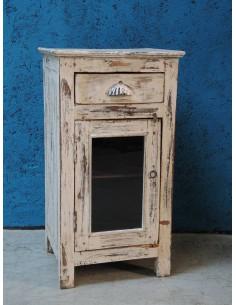 Imagén: Comodino shabby in legno sbiancato
