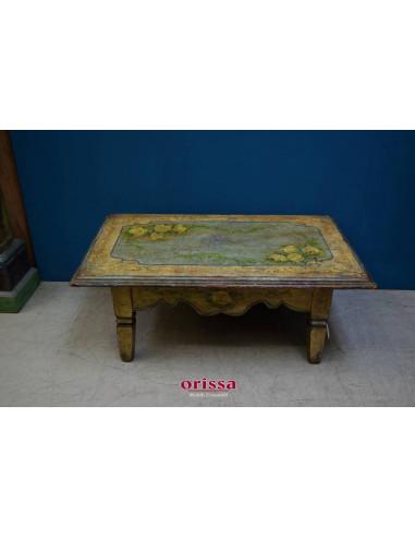 Tavolo in legno decorato