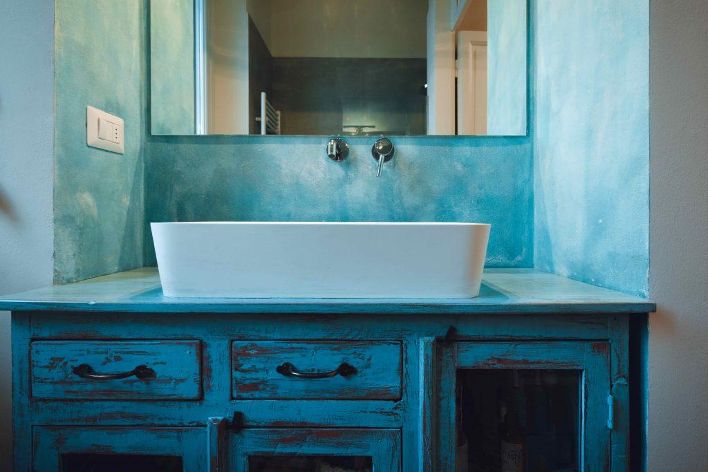Credenza Per Bagno : Laboratorio del colore mobili dipinti e decorati a mano orissa milano