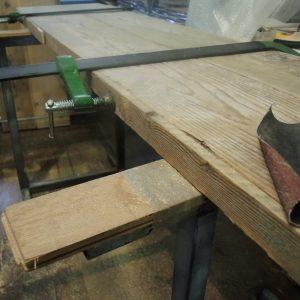 Arredamento rustico assi ripulite e restaurate